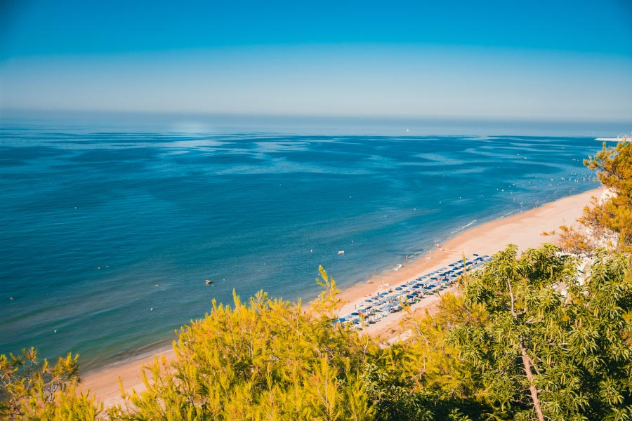 spiaggiaorizzonte-resize